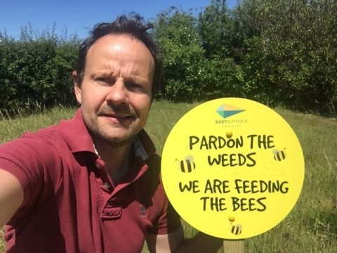 Pardon the weeds logo