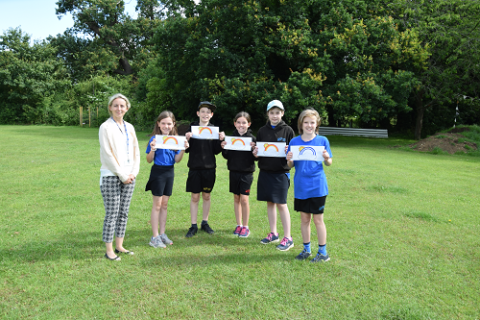 Melton Primary School children with their messages